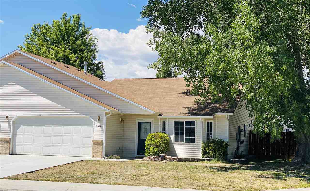 Great ranch style townhouse on corner lot with private backyard that backs to open space. New paint and carpet. Jacuzzi tub in Master bath. Refrigerated air conditioning.  Irrigation water is $50.00 a year to Highland Park Irrigation. The HOA fee of $326 annually covers the power and maintenance for the irrigation pump and distribution system in the  subdivision.
