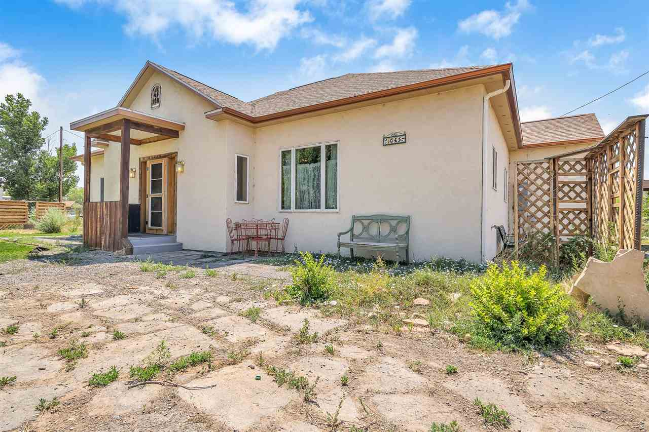 Beautiful 4 bed 3 bath country rancher conveniently located near access to both I-70 and Highway 6 & 50. This 2014-built home boasts a mother-in-law suite with kitchenette (great for potential passive income!) as well as an attached greenhouse and an enclosed back porch.
