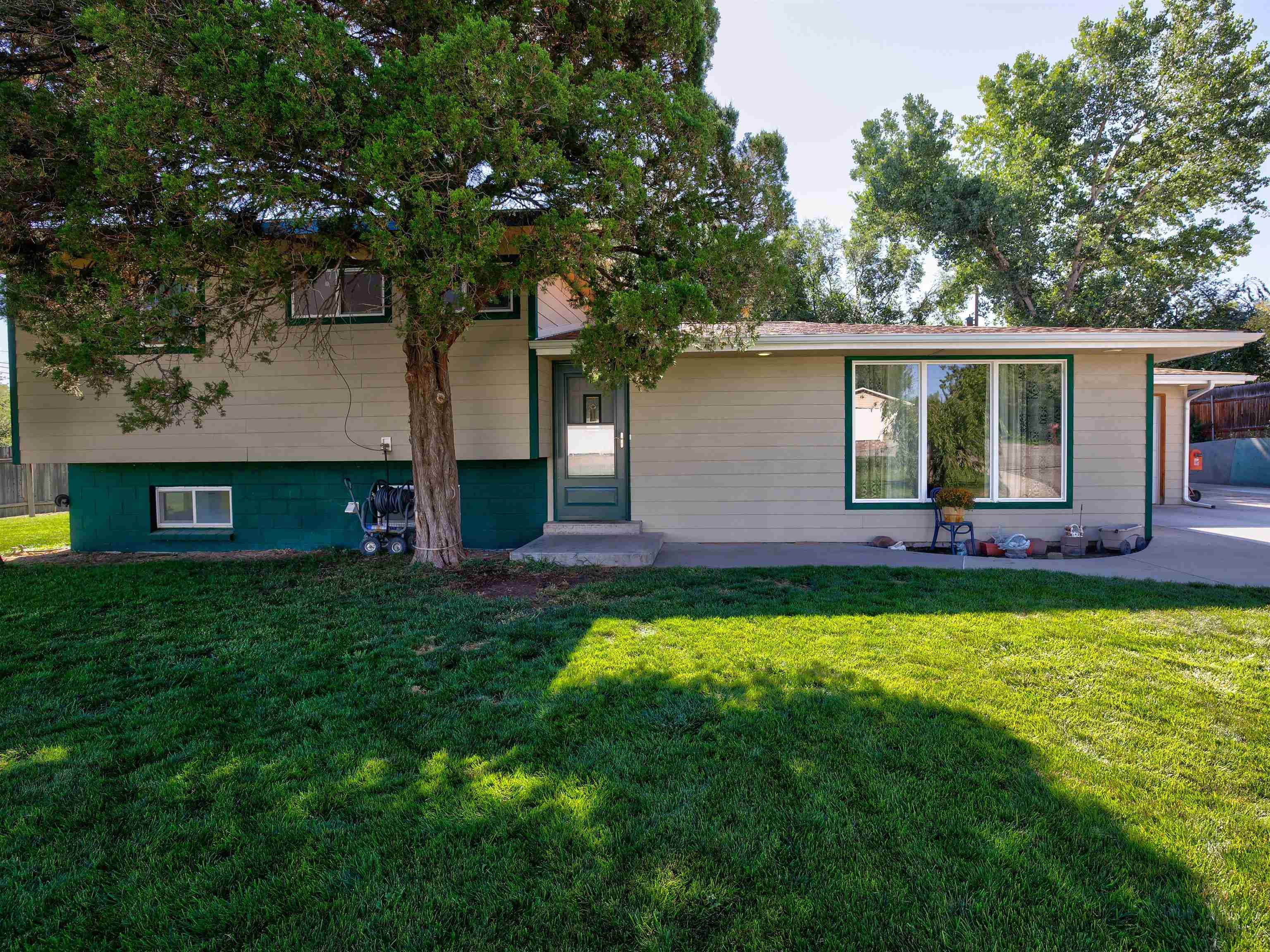 576 Meadowlark Lane, Grand Junction, CO 81507
