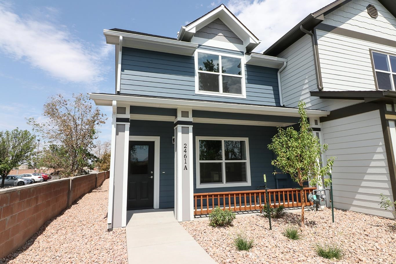 New Construction Townhome in great central location. 2 bed, 2.5 baths, 1 car detached garage & 1232 sq ft. Nice finishes which include granite counters, stainless steel appliances, luxury vinyl tile flooring, on demand hot water & more. Don't miss out on this great unit!!