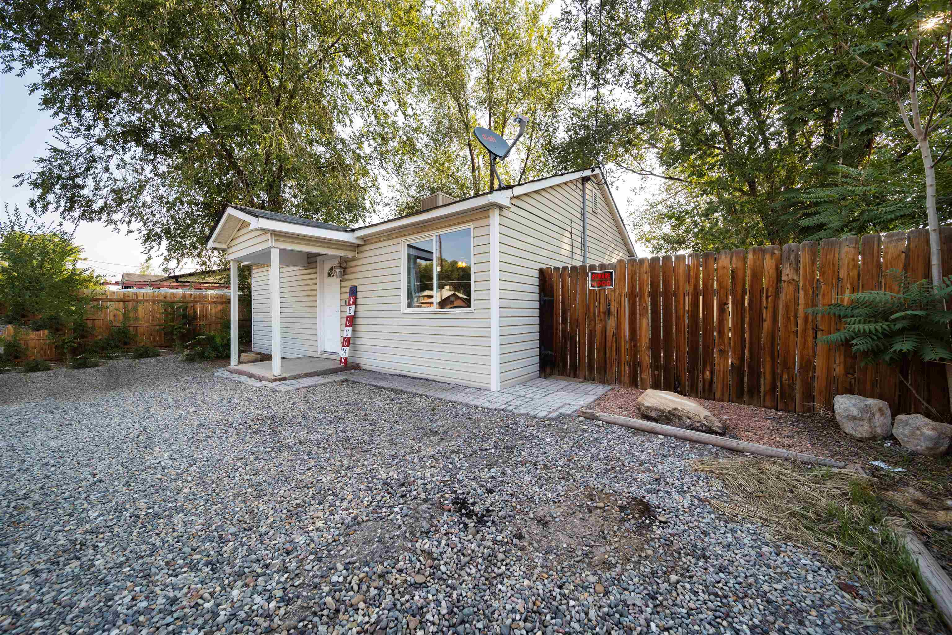 Cute home situated on a decent sized lot. No HOA!! Open living room/dining room concept. Large kitchen area. Ample space for boat or RV parking or whatever toys you want. Conveniently located for easy access to I-70B and Patterson rd. Includes detached 12' x 20' garage and 7' x 9' storage shed with access from behind the property off Market Way & Rosevale Drive. Great starter home or investment property. Schedule your showing today!!