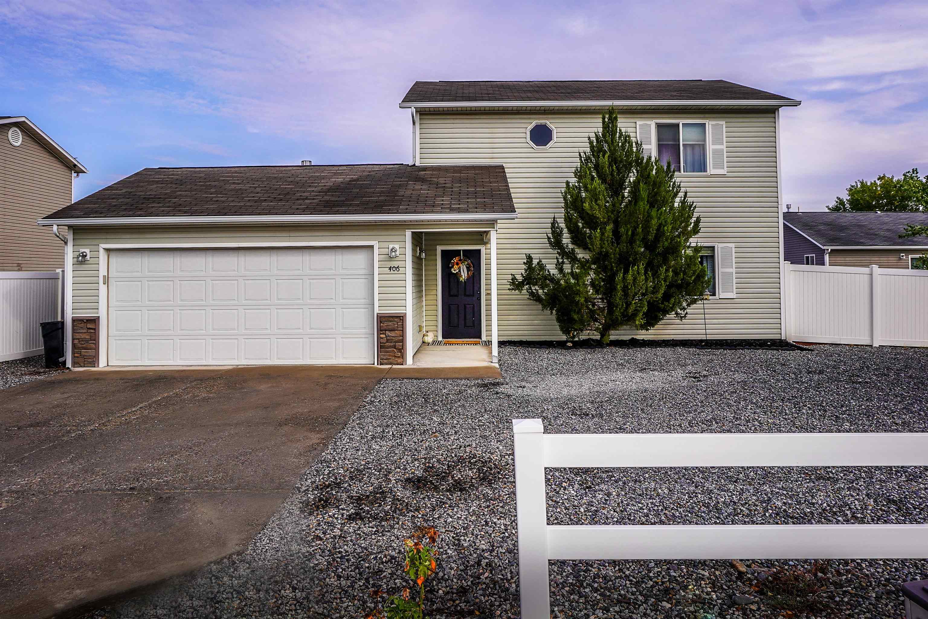 Cute move in ready home built in 2008, features open concept that is great for entertaining. Fantastic large concrete patio with a privacy fence perfect for BBQs. All appliances will stay including washer & dryer. New water heater installed last year. If you love the outdoors, this home is walking distance to James M. Robb Colorado State Park with amenities including, fishing, and access to Colorado river front trail. Home warranty will be included.