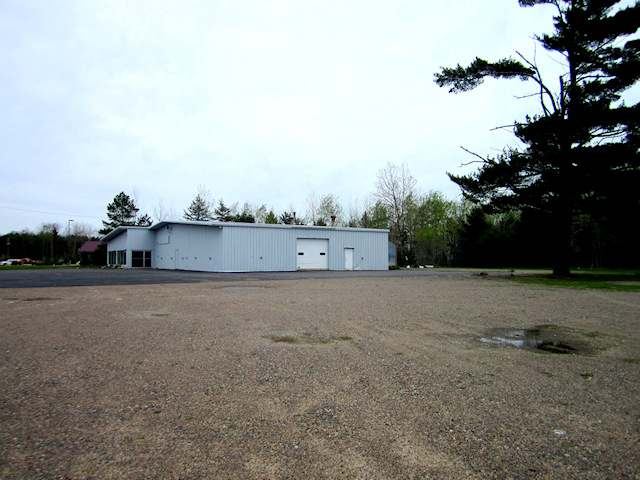 Vacant commercial lot located in high traffic area of North Stevens Street and Hwy 17 N. intersection. This .73 acre site offers great visibility and has approximately 195' +/- of frontage. Property is zoned B-3.