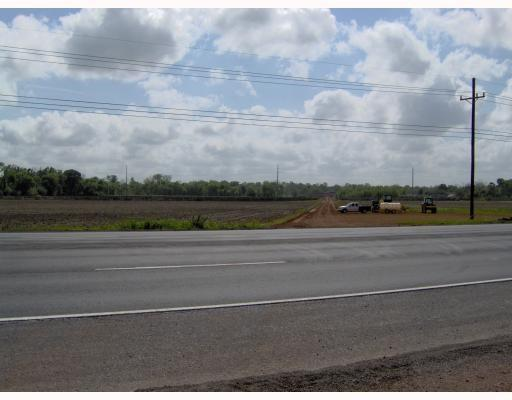 Land for Active at E AIRLINE Highway La Place, Louisiana 70068 United States