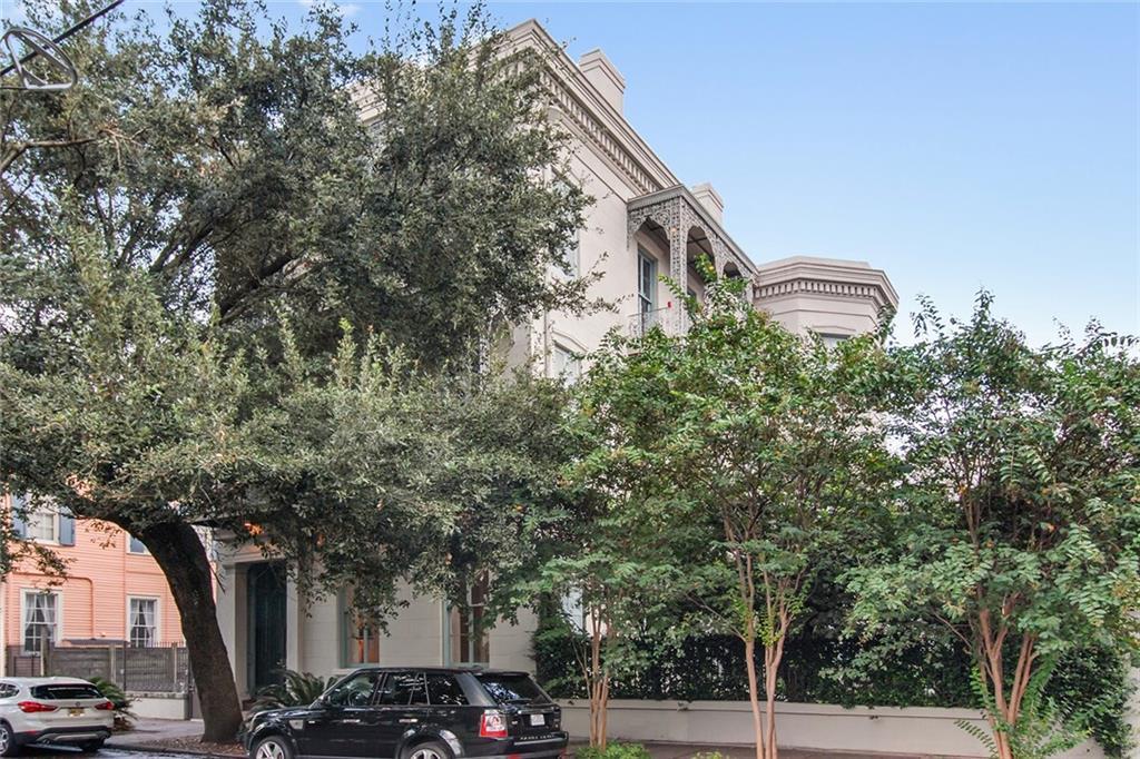 居民收入 为 销售 在 807 ESPLANADE Avenue 新奥尔良, 路易斯安那州 70116 美国