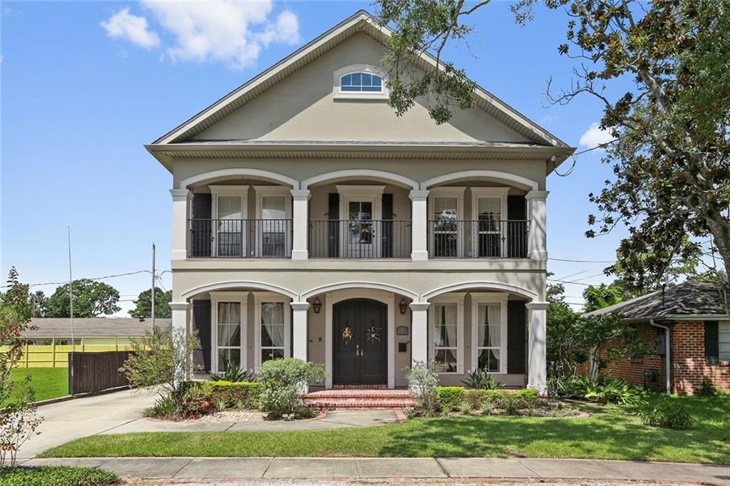 Residential for Active at 118 GLENWOOD Avenue Harahan, Louisiana 70123 United States