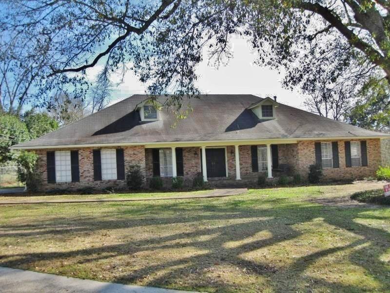 Residencial por un Venta en 1001 YARBOROUGH Heights Tylertown, Mississippi 39667 Estados Unidos