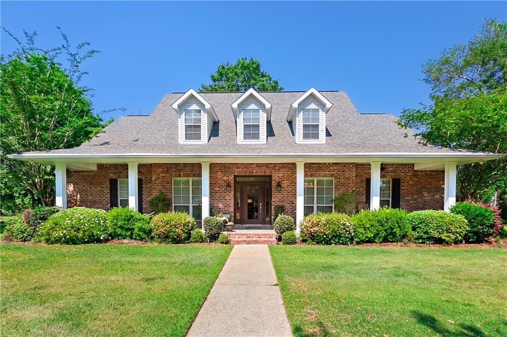 Residencial por un Venta en 900 GREAT SOUTHERN Drive Abita Springs, Louisiana 70420 Estados Unidos