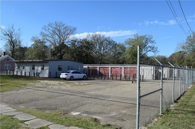 商用 为 销售 在 62455 COMMERCIAL Street Roseland, 路易斯安那州 70456 美国