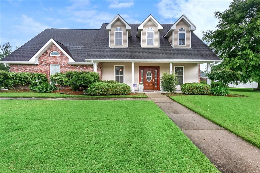 住宅 为 销售 在 185 W LAKEVIEW Drive La Place, 路易斯安那州 70068 美国