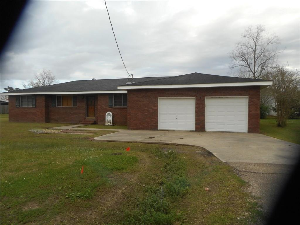 Residential for Active at 13157 WILLOW Street Vacherie, Louisiana 70090 United States
