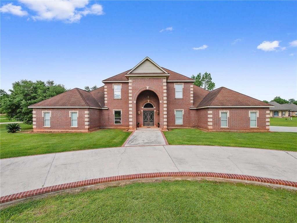 住宅 为 销售 在 25507 CARDINAL Court 布什, 路易斯安那州 70431 美国