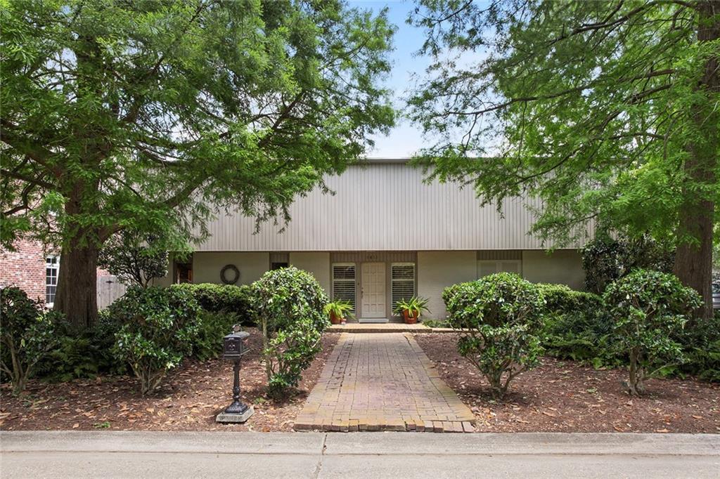 Residencial por un Venta en 9613 GARDEN OAK Lane River Ridge, Louisiana 70123 Estados Unidos