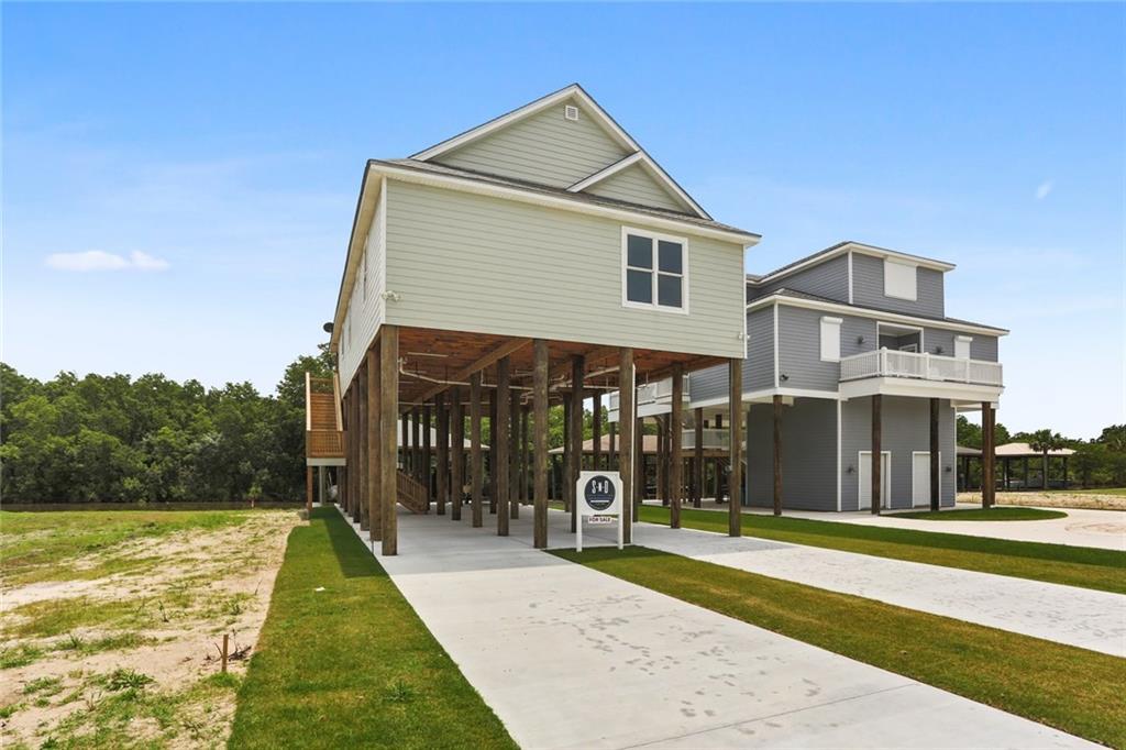 Residencial por un Venta en 2429 FORT BEAUREGARD Boulevard St. Bernard, Louisiana 70085 Estados Unidos