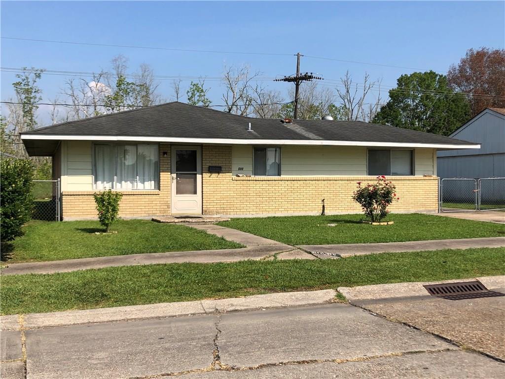 住宅 为 销售 在 500 RUTH Drive Avondale, 路易斯安那州 70094 美国