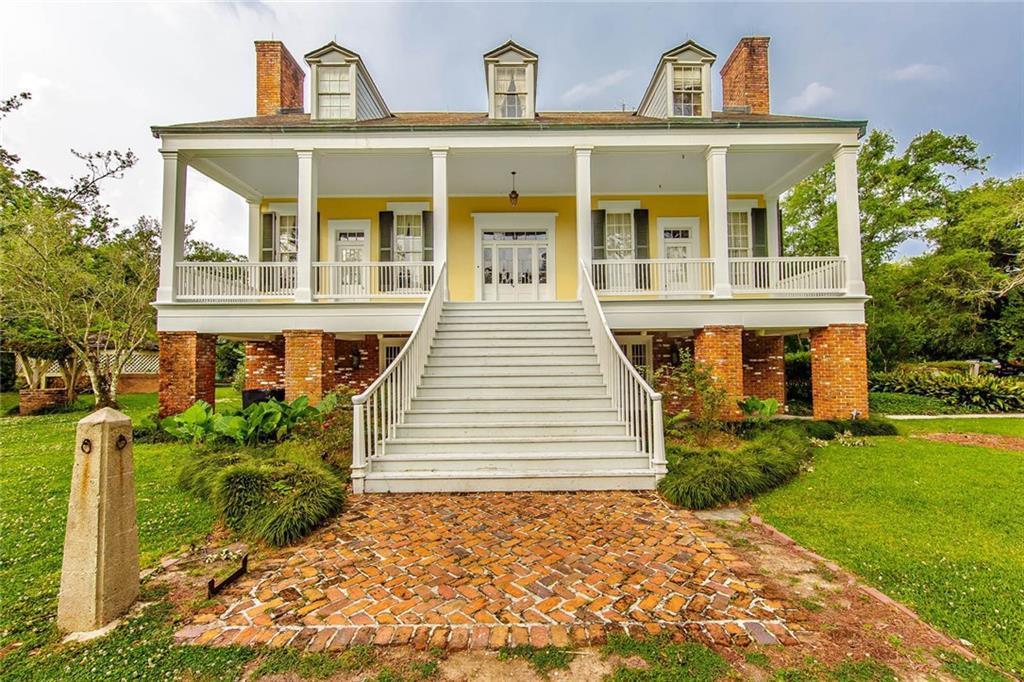住宅 为 销售 在 4084 HIGHWAY 311 Houma, 路易斯安那州 70360 美国