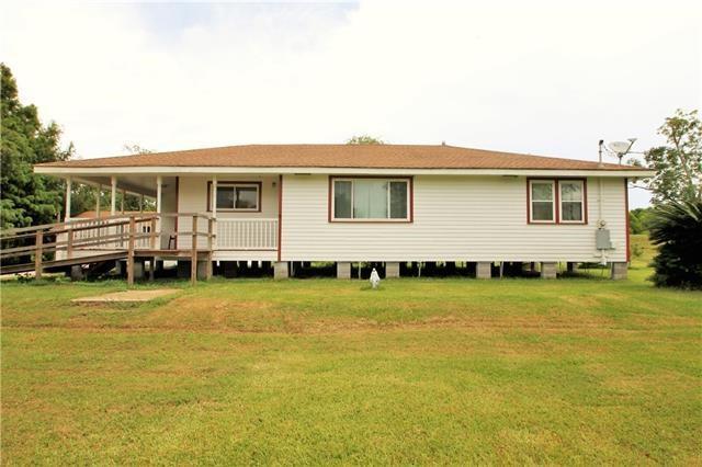 Residencial por un Venta en 21621 HIGHWAY 23 Highway Port Sulphur, Louisiana 70083 Estados Unidos