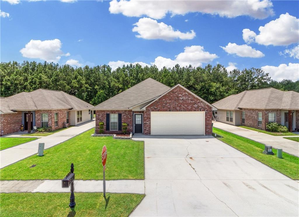 Residencial por un Venta en 28357 LAKE BISTINEAU Drive Livingston, Louisiana 70754 Estados Unidos