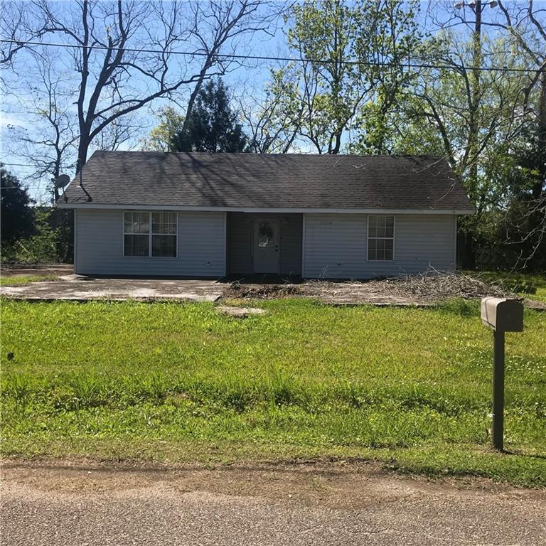 Residential for Active at 13198 WILLOW Street Vacherie, Louisiana 70090 United States