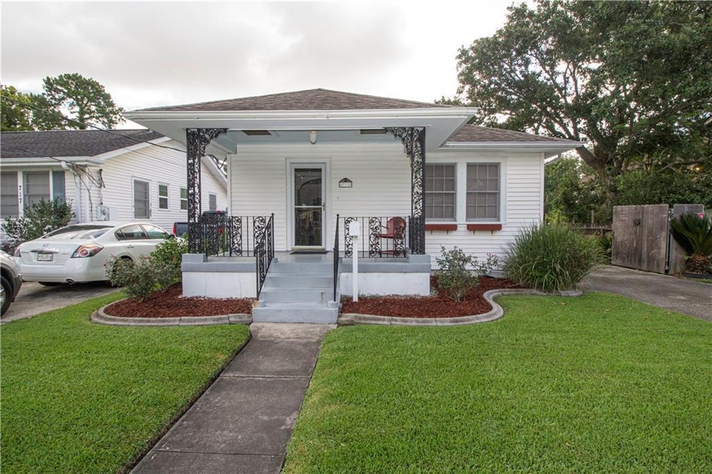Residencial por un Venta en 713 NEWMAN Avenue Jefferson, Louisiana 70121 Estados Unidos