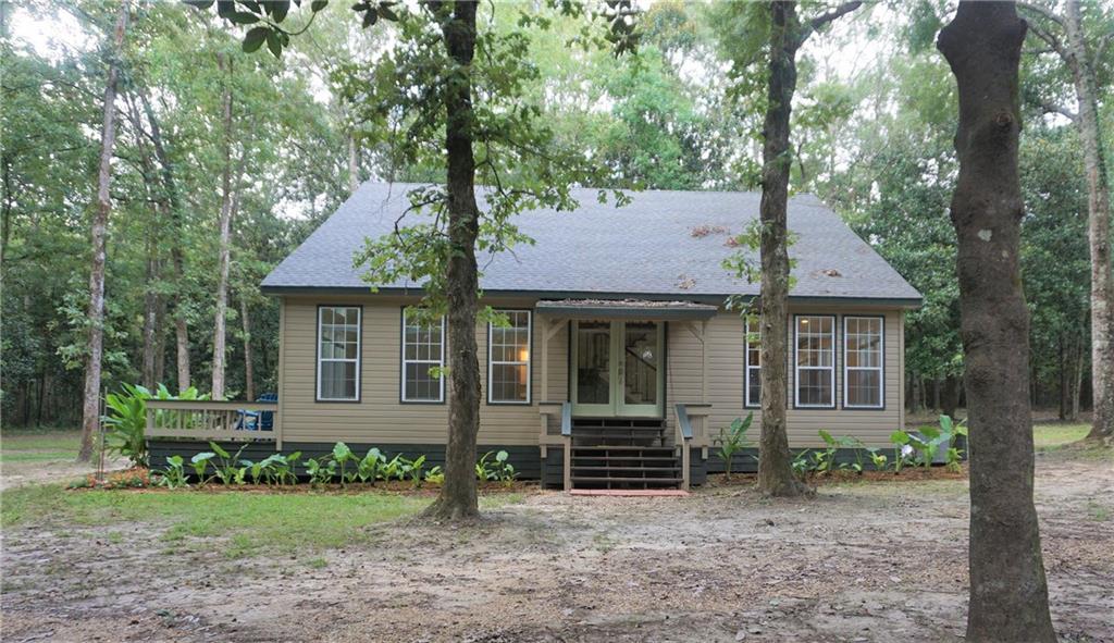 住宅 为 销售 在 12632 LORETTA Lane Roseland, 路易斯安那州 70456 美国