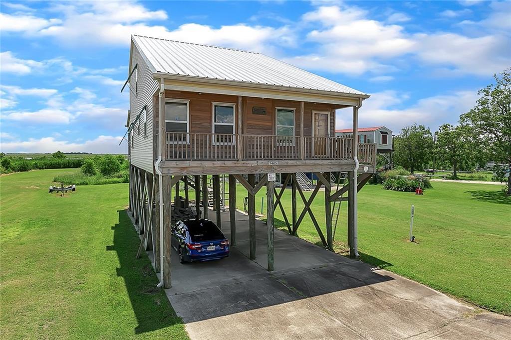 Residencial por un Venta en 5805 DELACROIX Highway St. Bernard, Louisiana 70085 Estados Unidos