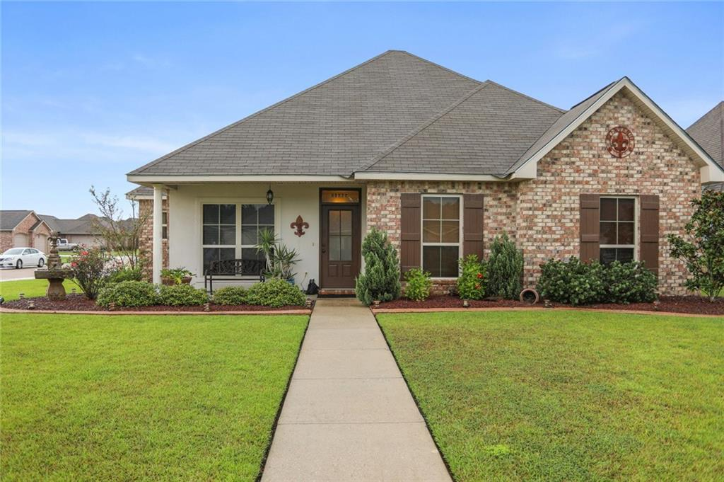 Residential for Active at 25405 WHITE LAKE Avenue Livingston, Louisiana 70754 United States
