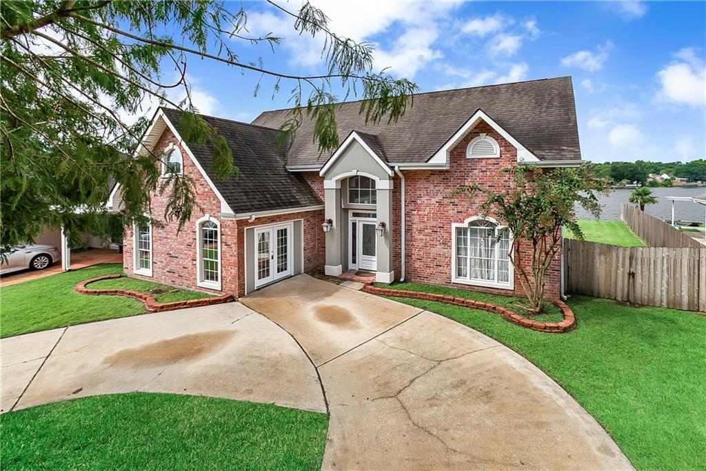 住宅 为 销售 在 7504 WILSON Street Violet, 路易斯安那州 70092 美国