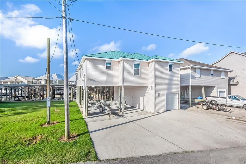 Residencial por un Venta en 8 ALLUVIAL KEY Way St. Bernard, Louisiana 70085 Estados Unidos