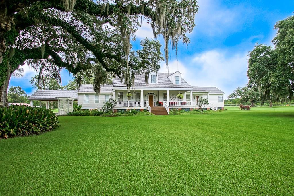 住宅 为 销售 在 1563 HWY 654 Highway Gheens, 路易斯安那州 70355 美国