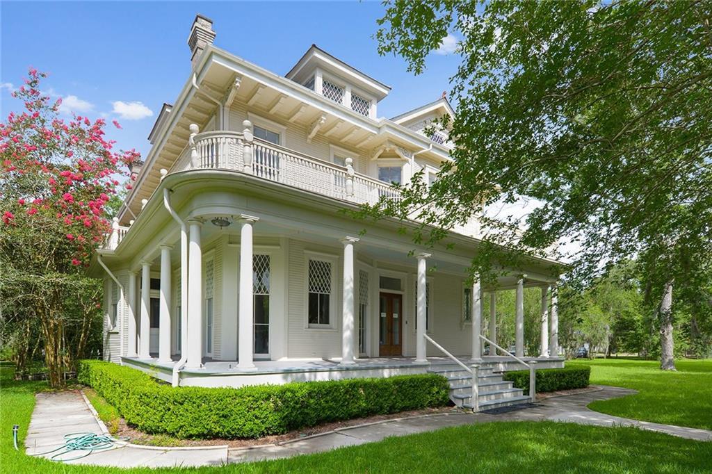 Residencial por un Venta en 206 COVINGTON Street Madisonville, Louisiana 70447 Estados Unidos
