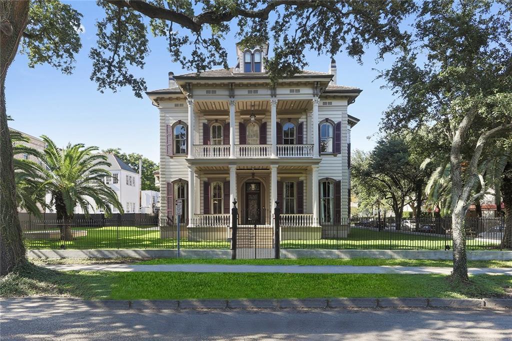 住宅 为 销售 在 3711 ST CHARLES Avenue 新奥尔良, 路易斯安那州 70115 美国
