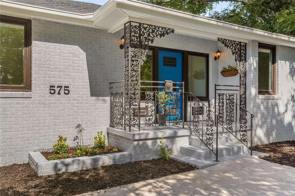 Residencial por un Venta en 575 CENTRAL Avenue Jefferson, Louisiana 70121 Estados Unidos