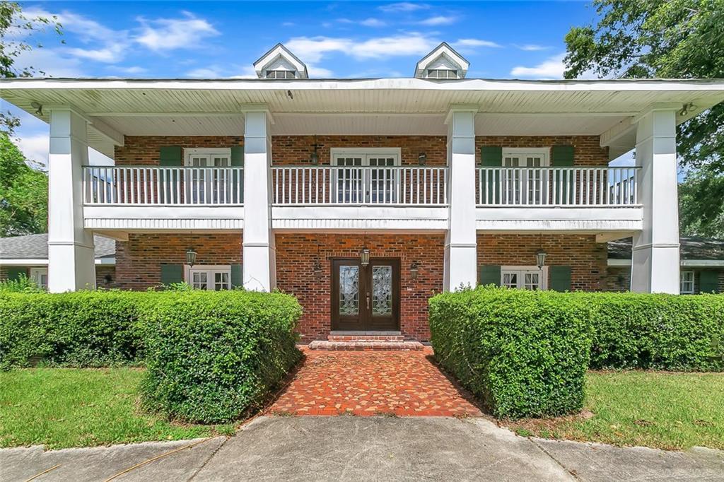 Residencial por un Venta en 1901 BAYOU Road St. Bernard, Louisiana 70085 Estados Unidos