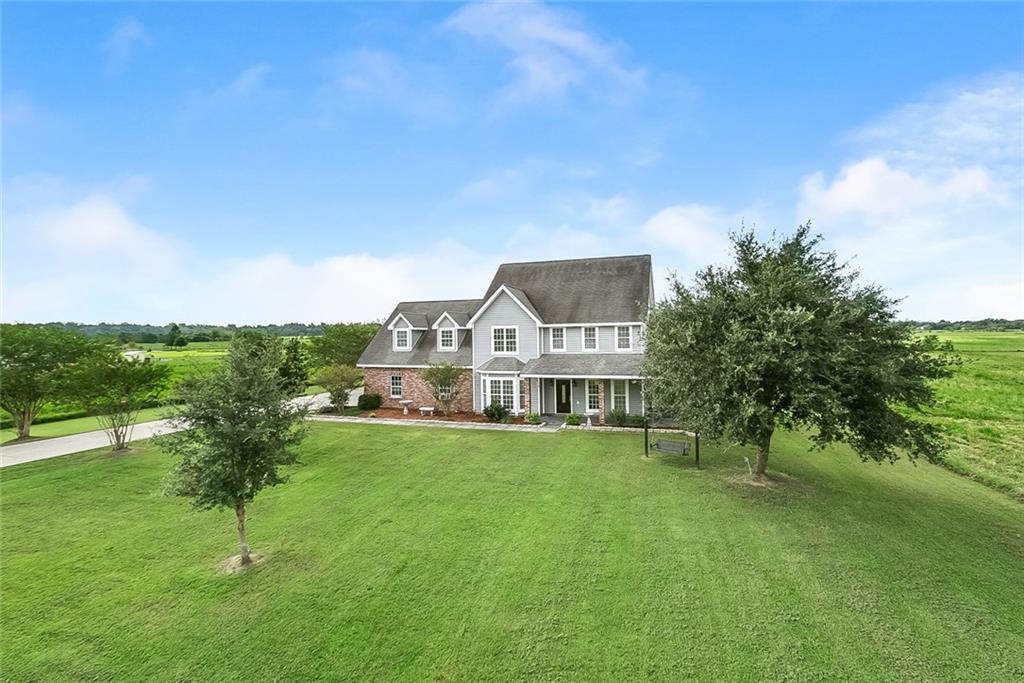 住宅 为 销售 在 224 GRAND BAYOU Road Des Allemands, 路易斯安那州 70030 美国