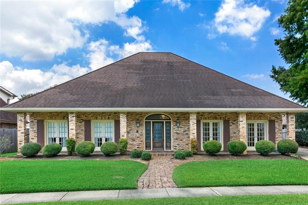 Residential for Active at 7317 STONELEIGH Drive Harahan, Louisiana 70123 United States