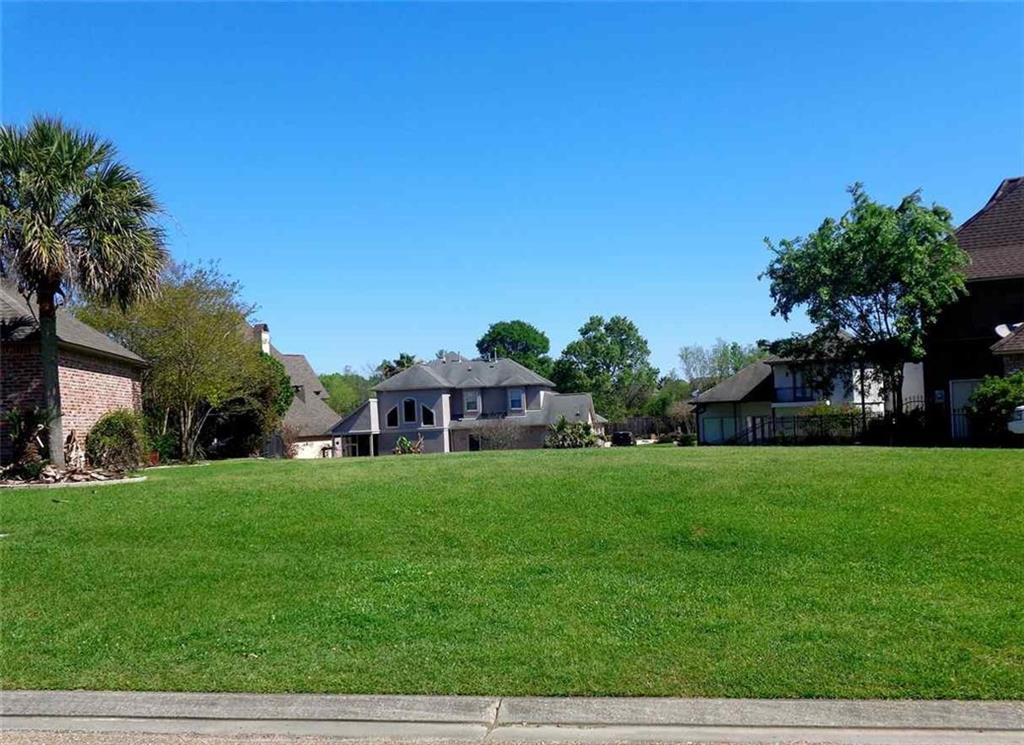 土地,用地 为 销售 在 18348 FOUNTAIN HILL Boulevard Prairieville, 路易斯安那州 70769 美国