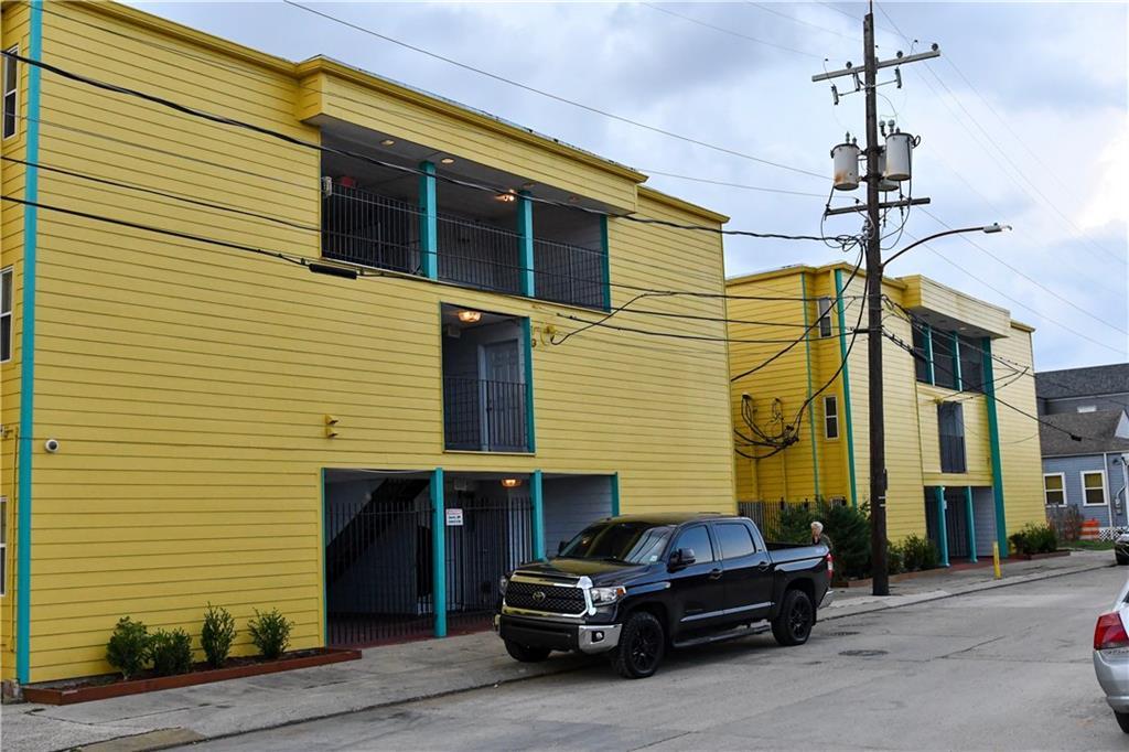 居民收入 为 销售 在 4520 N RAMPART Street 新奥尔良, 路易斯安那州 70117 美国