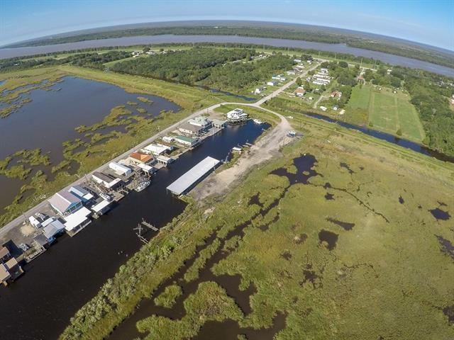 Comercial por un Venta en MARTIN Lane Port Sulphur, Louisiana 70083 Estados Unidos