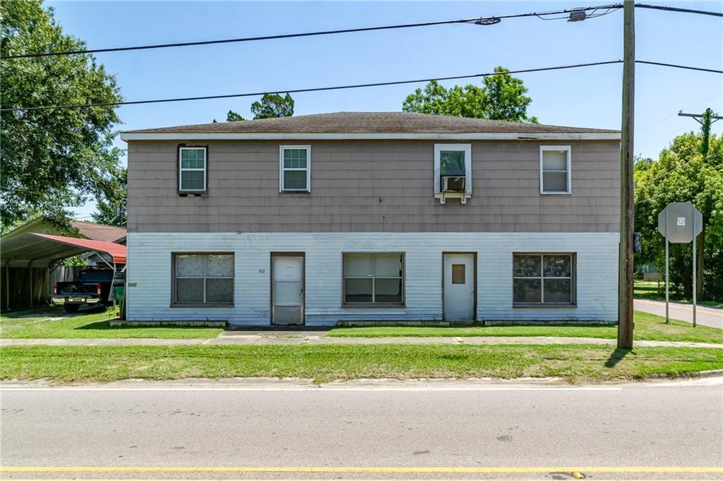 Residencial por un Venta en 400 APPLE Street Norco, Louisiana 70079 Estados Unidos