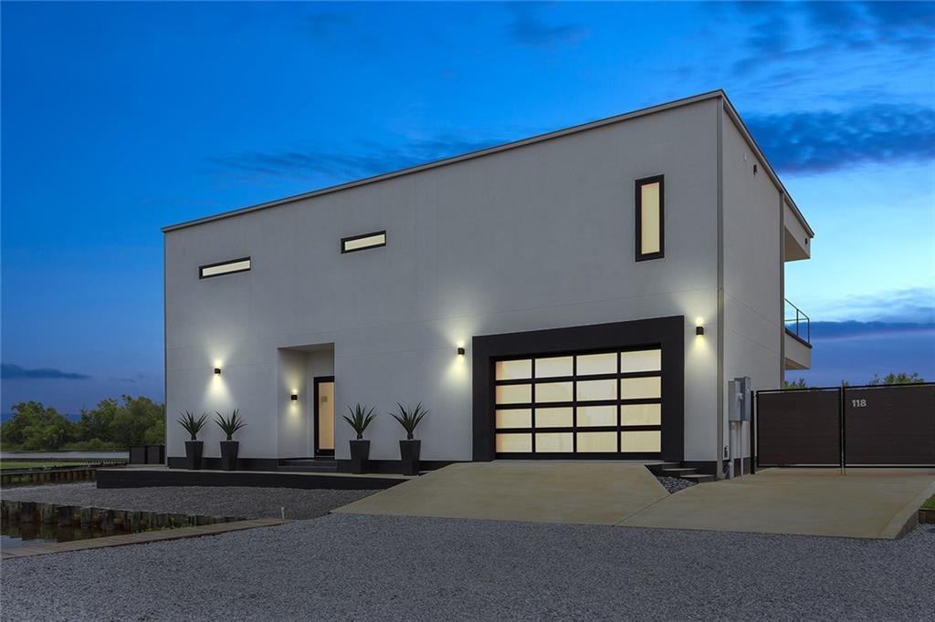 住宅 为 销售 在 118 KERRY'S POINTE WEST Des Allemands, 路易斯安那州 70030 美国