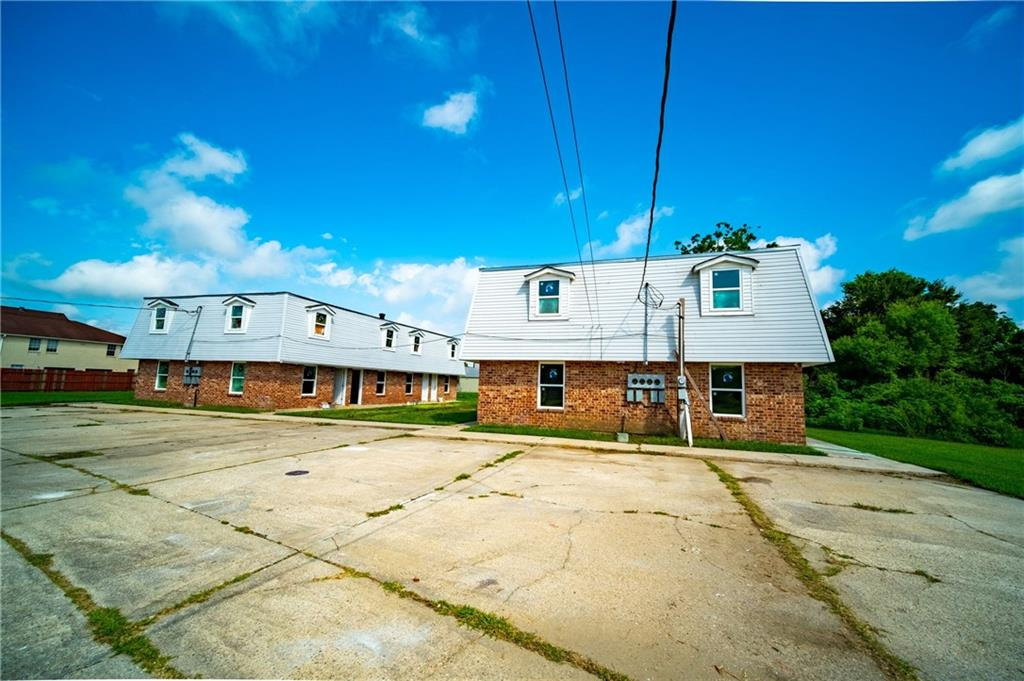 Residential Income for Active at 2620-24 ANGELIQUE Drive Violet, Louisiana 70092 United States