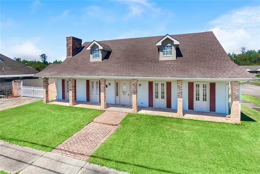 住宅 为 销售 在 2916 LEGEND Street Meraux, 路易斯安那州 70075 美国