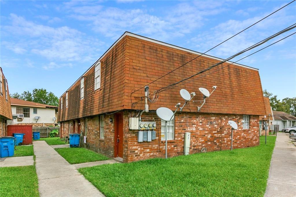 居民收入 为 销售 在 2911 E SAINT BERNARD Highway Meraux, 路易斯安那州 70075 美国
