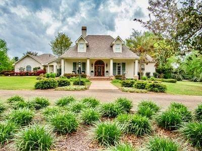 Residencial por un Venta en 1006 LEWIS Lane McComb, Mississippi 39648 Estados Unidos