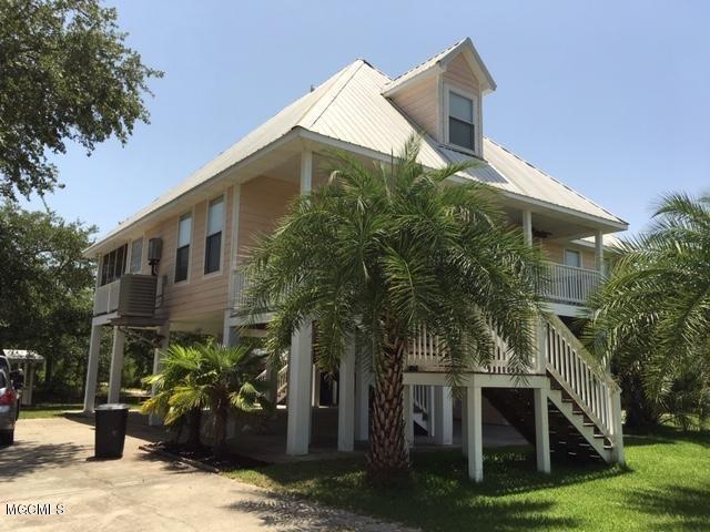 Residencial por un Venta en 71 GOOD Street Bay St. Louis, Mississippi 39520 Estados Unidos