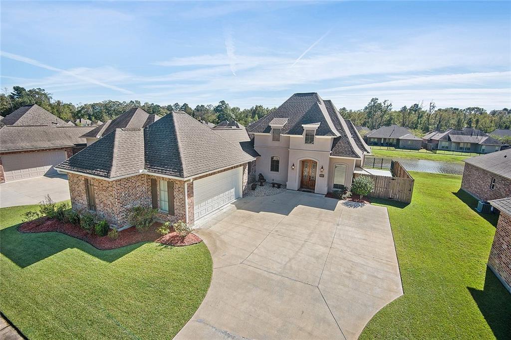 住宅 为 销售 在 17124 BENTONS FERRY Avenue Greenwell Springs, 路易斯安那州 70739 美国