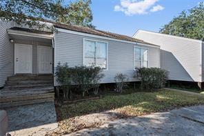 住宅 为 销售 在 110 CANULETTE Road 斯莱德尔, 路易斯安那州 70458 美国