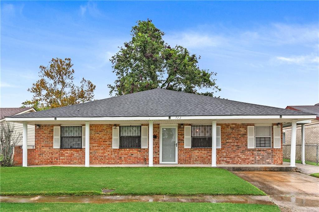 住宅 为 销售 在 332 DOME Drive Avondale, 路易斯安那州 70094 美国