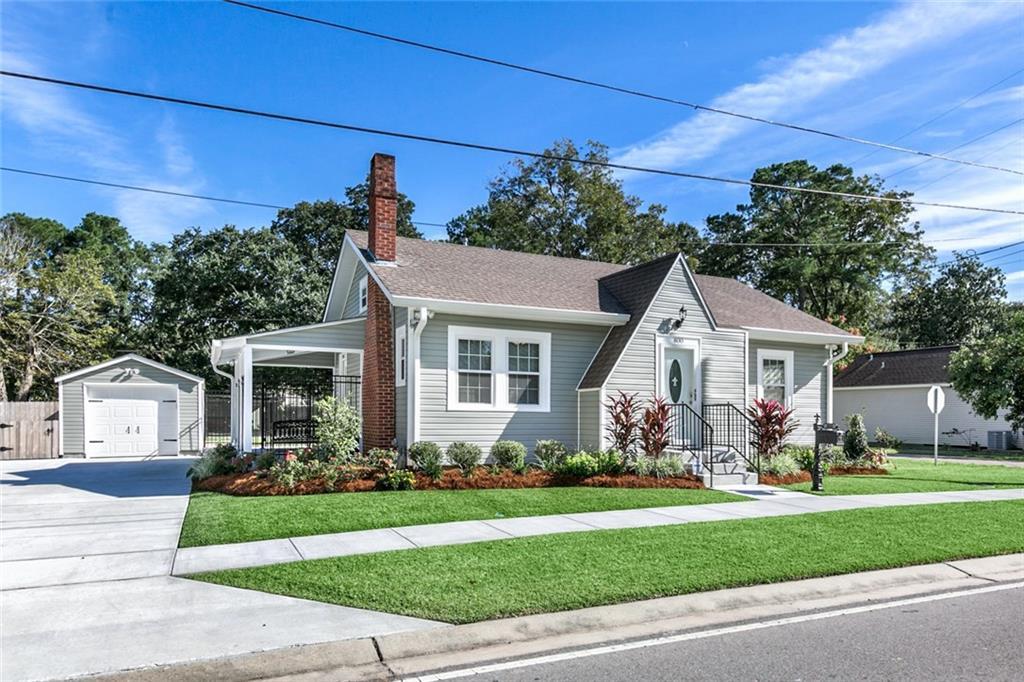Residencial por un Venta en 800 APPLE Street Norco, Louisiana 70079 Estados Unidos